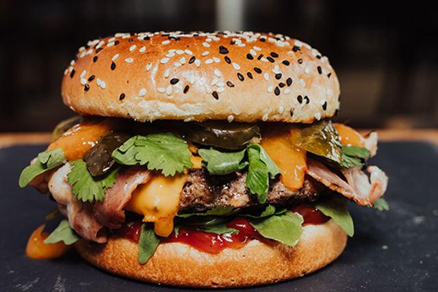 burger z dostawą do domu