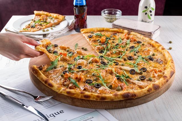 pizza z dostawą do pracy